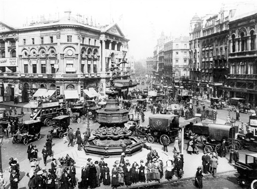 A03A0344_[View_of_Piccadilly_Circus__looking_towards_the_London_Pavilion_1913